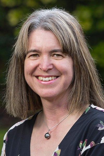 Martine Hamilton Knight